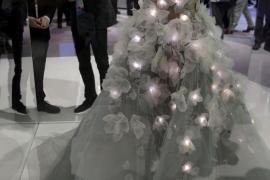 Los vestidos de novia cognitivos, las focas y las vacas conectadas, algunas curiosidades del MWC