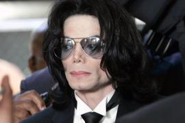 La defensa del Doctor Murray podría  alegar que Michael Jackson se quitó la vida