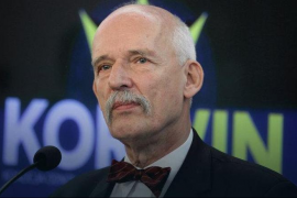 Un eurodiputado polaco defiende que las mujeres cobren menos por ser «más débiles y menos inteligentes»