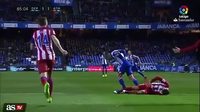 Un gol de Griezmann da un punto al Atlético y Torres es evacuado en camilla
