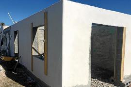 La Policía Local de Vila denuncia las obras para ampliar una casa en la zona protegida de ses Feixes
