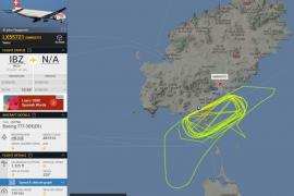 Sorpresa por un avión en prácticas que sobrevoló Ibiza ayer durante todo el día