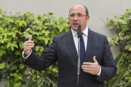 El presidente de Murcia afirma que sólo dimitirá si hay «imputación formal»