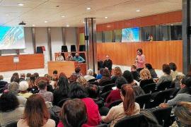 Críticas a las jornadas sobre terapias holísticas del Colegio de Enfermería