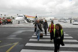 Madrid veta la tarifa de 30 euros para los vuelos interislas por falta de presupuesto