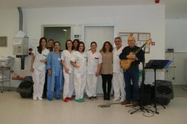 Bossa nova para alegrar el día a los pacientes de Hemodiálisis