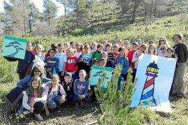 Unión de jóvenes para reforestar Cala Llonga