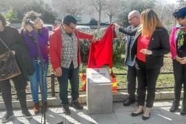 Vila rinde homenaje a Margalida 'Llogat' y a las trabajadoras del albaricoque