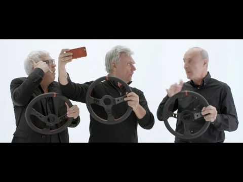 Tricicle protagoniza la nueva campaña de la DGT concienciando del peligro de usar el móvil al volante