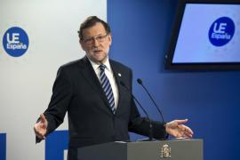 Mariano Rajoy evita responder una pregunta en inglés durante una rueda de prensa
