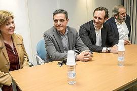 Bauzá congrega a 50 militantes en Ibiza