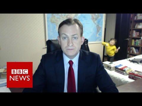 Un corresponsal de la BBC se vuelve viral por la interrupción de sus hijos
