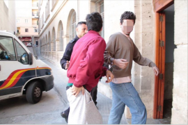 Ayer por la tarde los dos acusados fueron puestos a disposición judicial en Vía Alemania.