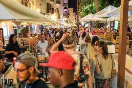Vila alega contra la delimitación portuaria y reclama las terrazas de Cipriano Garijo