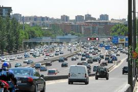 Madrid reducirá la velocidad a 70 en la M-30 y los vehículos que más contaminen no podrán aparcar