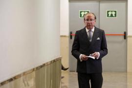 El juez ordena exhumar el cadáver de Ruiz Mateos para una prueba de paternidad