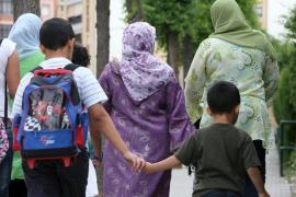 La Justicia europea ve legal prohibir el uso de velo islámico en el trabajo