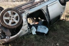 Herida grave tras salirse de la vía y volcar su coche en Sant Rafel