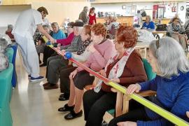 Los beneficios del circo llegan a las residencias de Cas Serres y Sa Serra