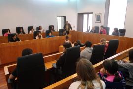 Alumnos del CEIP Pau Delclòs de Tarragona visitan Ibiza para conocer su patrimonio