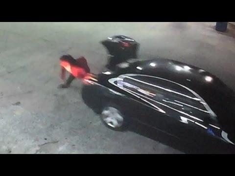 Una mujer consigue escapar del maletero del coche de su secuestrador