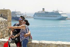 El puerto de Ibiza espera un 17% más de cruceristas en 2017