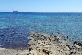 Hallan el cadáver de un hombre mutilado en aguas de Santa Eulària