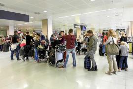 Volar a Ibiza en Semana Santa resulta más caro que salir de la isla para los residentes