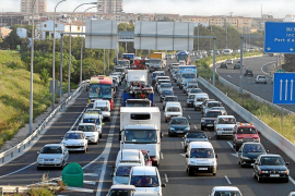 El Govern prepara una ley para que todos los coches sean eléctricos en 30 años
