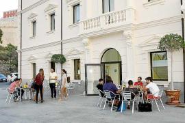 Estudiantes de la UIB se suman a los de Turismo y piden plazas de parquin gratuitas
