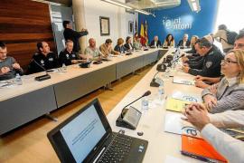 Los ayuntamientos podrán convocar oposiciones para regularizar las plazas de interinos en la Policía Local