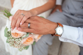 Detienen a una pareja acusada de obligar a su hija de 16 años a casarse por tercera vez