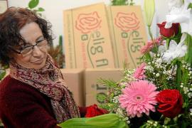 Cuatro décadas acompañando con flores las alegrías y las penas de los ibicencos