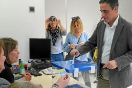 Las juntas locales del PP de Ibiza ven con buenos ojos la continuidad de Marí Bosó