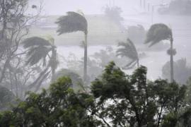 El ciclón Debbie azota la costa de Australia