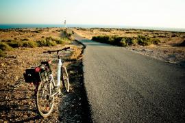 El Consell de Formentera retira de la vía pública 340 señales obsoletas