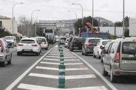 Santa Eulària teme que los cambios de circulación de Vila colapsen su carretera