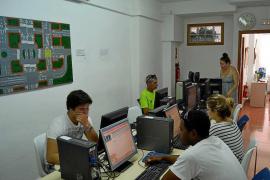 Ibiza no cuenta con examinadores fijos por Tráfico por los bajos sueldos y la vivienda