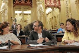 Los contratos de Més a su jefe de campaña electoral acorralan a Barceló