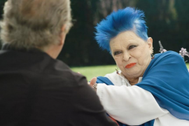 Lucía Bosé homenajea a su nieta Bimba con Bertín Osborne: «Me tiñó de azul hace veinte años y me gustó»