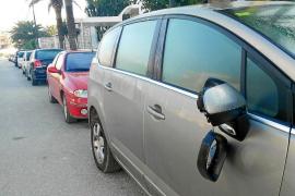 Detenidos dos jóvenes por destrozar coches de noche en Santa Eulària