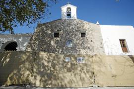 Las obras en el templo desvelan la 'cara oculta' de la fachada de la iglesia de Jesús