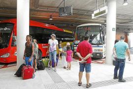 Vila recibe el proyecto para comenzar la reforma de la estación de autobuses Cetis