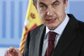 Zapatero avisa a las CCAA de  que el Gobierno intervendrá si gastan más de lo que deben