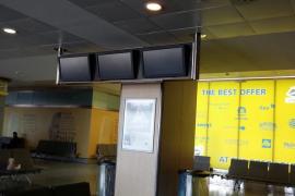 Confusión por el apagón de las pantallas del Aeropuerto de Ibiza