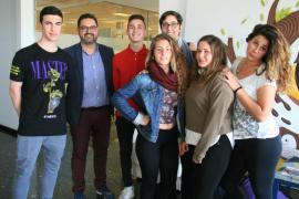 Alumnos de Formación Básica del IES Balàfia presentan sus cooperativas Icape