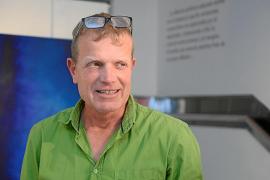 Renato Steinmeyer llena de color la sala de Can Jeroni con sus 'Reflexiones'