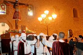El Cristo de la Sangre supera las obras para marchar por La Marina