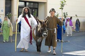 Multitudinaria procesión del Domingo de Ramos de Santa Eulària