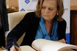 Carme Riera, doctora honoris causa por la UIB: «La literatura nos ayuda a recordar quiénes somos»